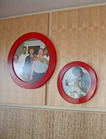 Round Red Photo Frames